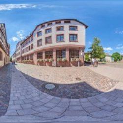 Schlossplatz 5